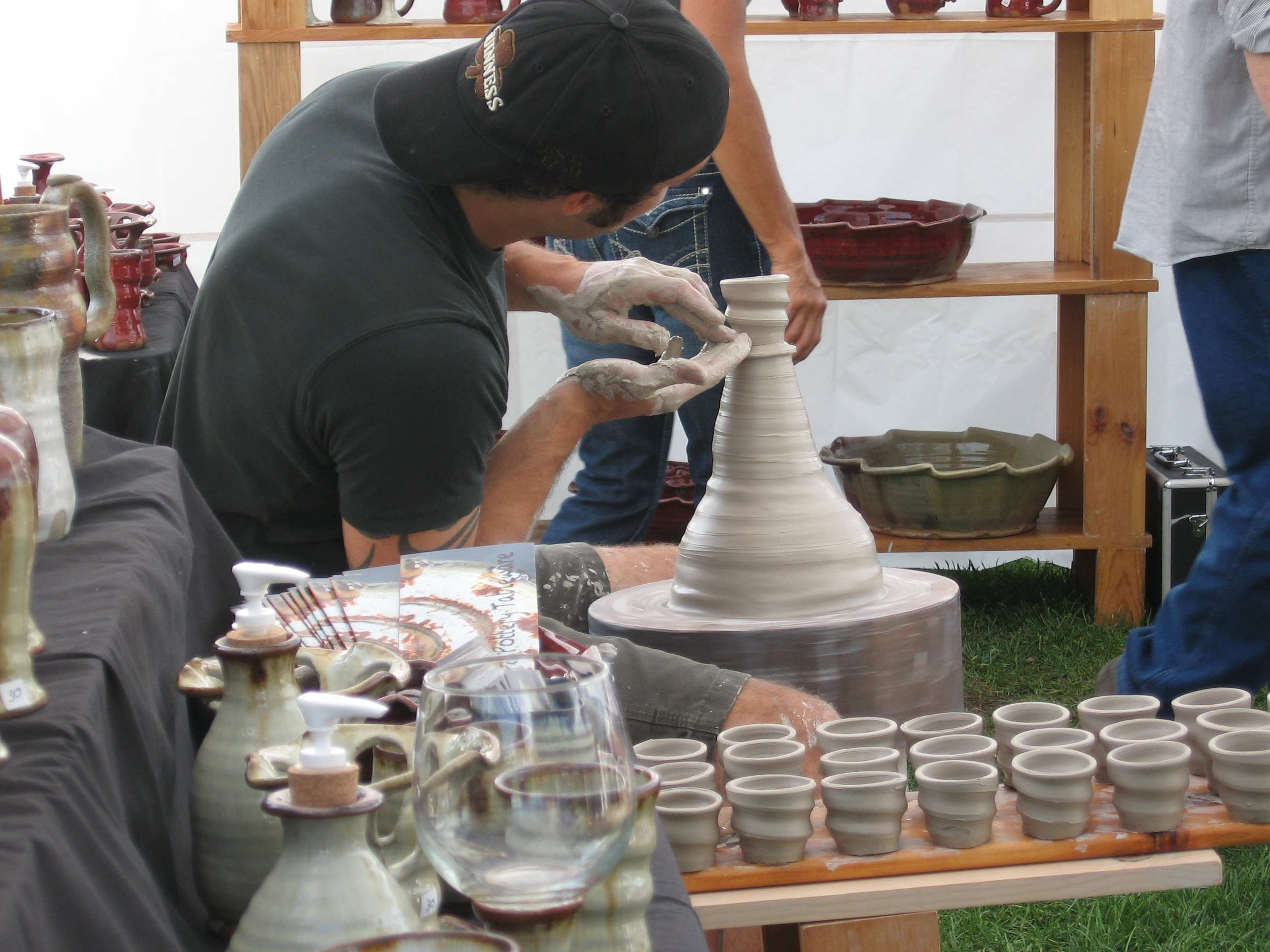 hump throwing spiral pottery cups