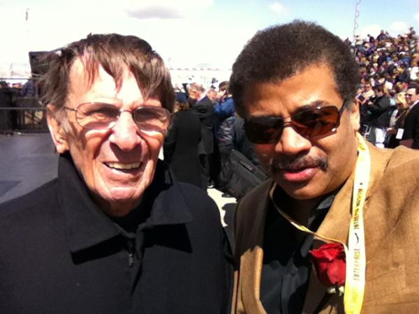 neil-degrasse-tyson-and-leonard-nimoy-fan-selfie